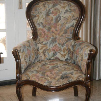 M033- Louis XV Bergère fauteuil