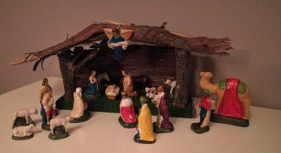 W299- oude kerstgroep, kerststal, kerstbeelden