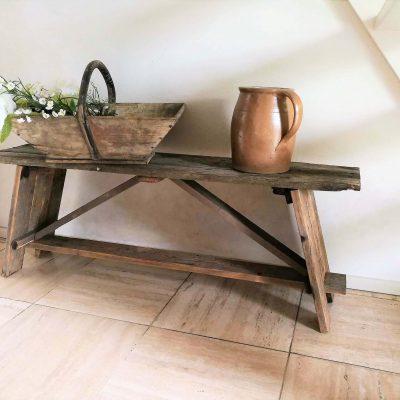 M031C- oud houten bankje-sidetable