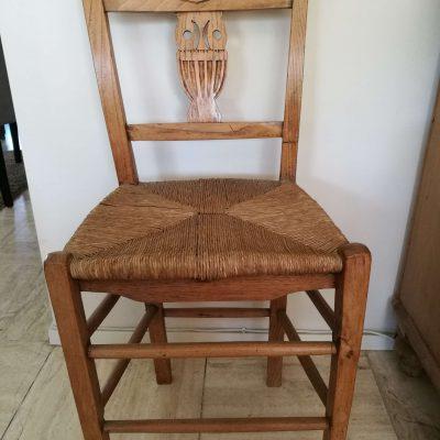 M007D- 19e eeuwse uiltjes stoelen