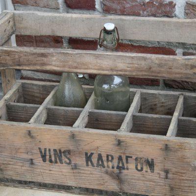 W003B- Frans houten wijnkistje, wijnkrat