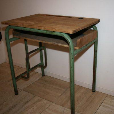 M004C- Frans vintage school lessenaar/ stoer schoolbankje