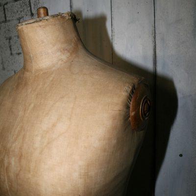 W021B- brocante Franse paspop
