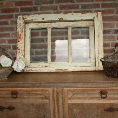 W061- oud Frans raam