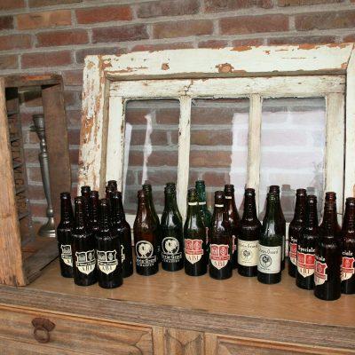 W003F- 24 oude Belgische bierflesjes