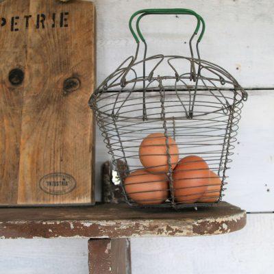 W032B- oud Frans eiermandje