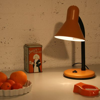 V010 - Vintage bureaulamp oranje