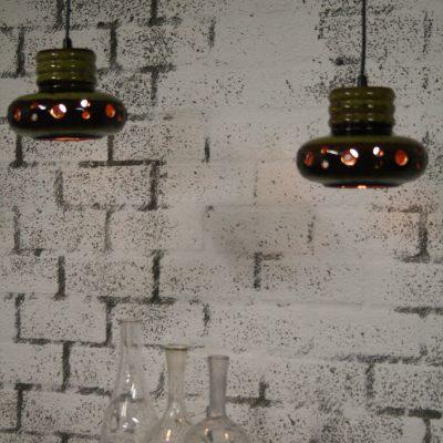 V017 - Set 2 vintage hanglampen aardewerk