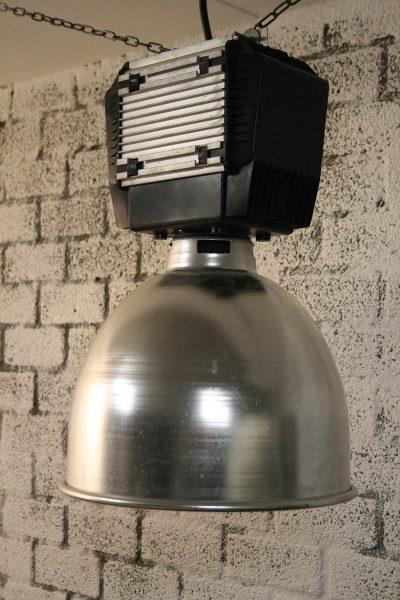 V021 - Robuuste industriële hanglamp