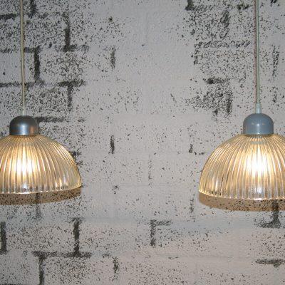 V036 - 2 vintage hanglampen