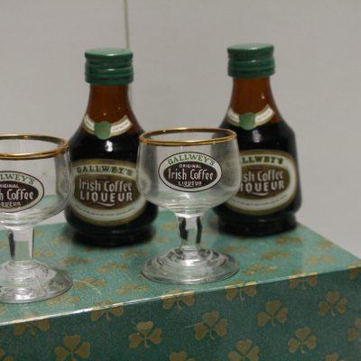 A072-sixties Irish coffee setje