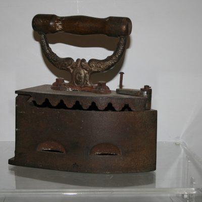 W155 - Strijkijzer op kolen Pools 1930