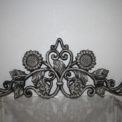 W173 - Ornament